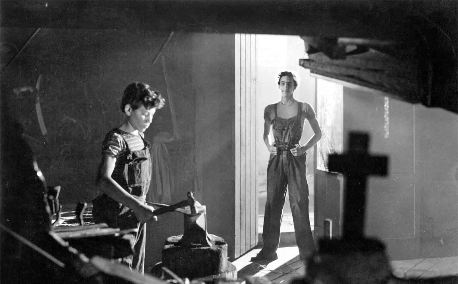 Olvidados, Los (1950) aka The Young and the Damned Directed by Luis BuÒuel